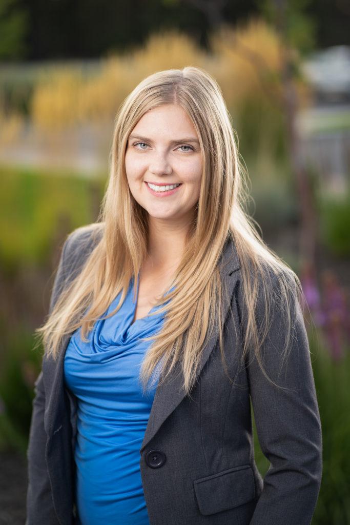 Shawna Hedquist Headshot